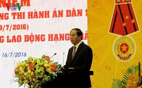 Chủ tịch nước Trần Đại Quang dự lễ kỷ niệm 70 năm Ngày truyền thống Thi hành án dân sự - ảnh 1