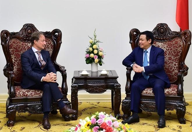 Phó Thủ tướng Vương Đình Huệ tiếp Đại sứ EU tại Việt Nam - ảnh 1