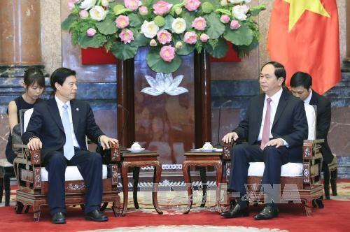 Chủ tịch nước Trần Đại Quang tiếp Bộ trưởng Thương mại Trung Quốc  - ảnh 1