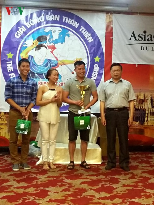 Sôi nổi giải bóng bàn Thân thiện người Việt toàn châu Âu - ảnh 2
