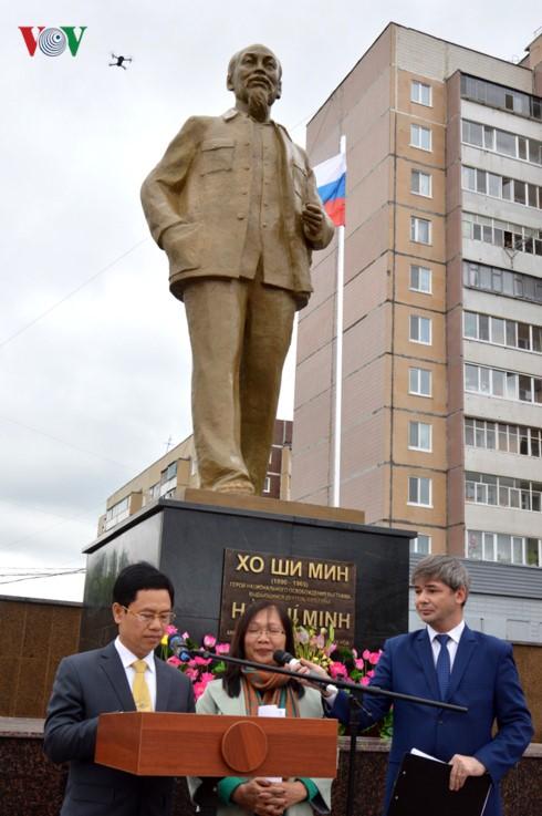 Khánh thành tượng đài Bác Hồ trên quê hương Lenin – Ulyanovsk - ảnh 5