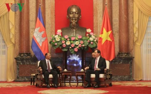 Chủ tịch nước Trần Đại Quang tiếp Chủ tịch Quốc hội Campuchia Samdech Heng Samrin - ảnh 2
