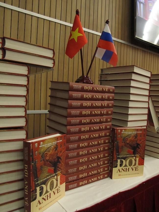 Tuyển thơ Nga Đợi anh về - nhịp cầu kết nối tâm hồn Nga - Việt - ảnh 1