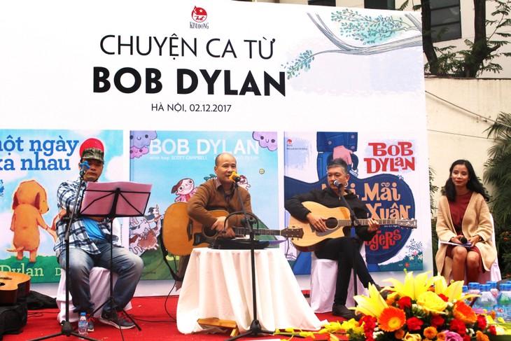 Sống động chuyện ca từ của huyền thoại Bob Dylan - ảnh 1