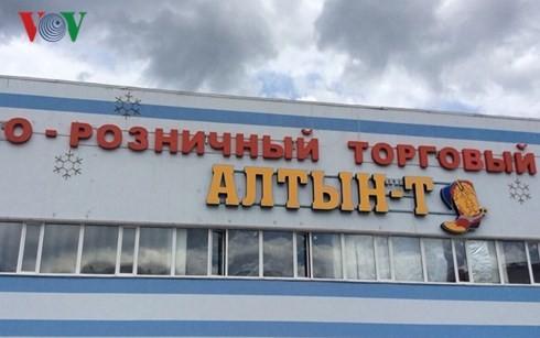 Hỗ trợ các hộ kinh doanh người Việt bị cháy ki-ốt ở Kazan (Nga) - ảnh 2
