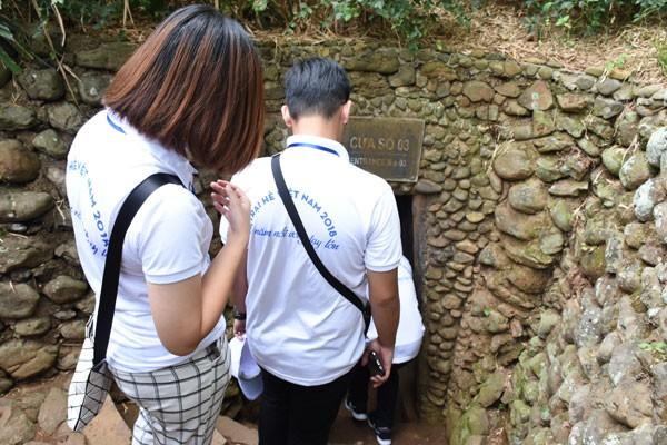 Trại hè Việt Nam 2018: Viếng nghĩa trang Trường Sơn và thăm địa đạo Vĩnh Mốc - ảnh 3