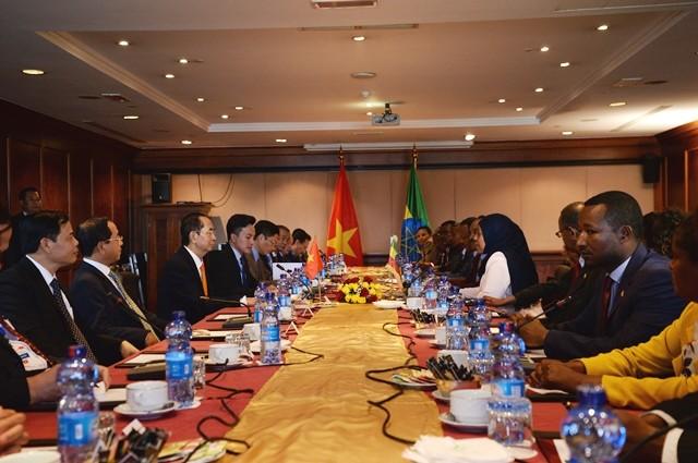 Việt Nam coi trọng quan hệ hữu nghị truyền thống và thúc đẩy hợp tác nhiều mặt với Ethiopia - ảnh 1