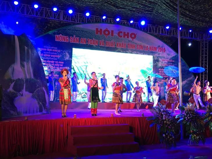 Khai mạc Hội chợ nông sản tỉnh Sơn La - ảnh 1
