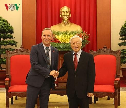 Tổng bí thư Nguyễn Phú Trọng tiếp Đại sứ Vương quốc Anh - ảnh 1