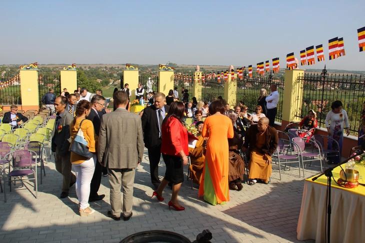 Lần đầu tiên Việt Nam có ngôi chùa được công nhận tại Hungary - ảnh 8