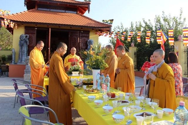Lần đầu tiên Việt Nam có ngôi chùa được công nhận tại Hungary - ảnh 5