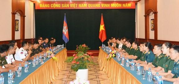 Đẩy mạnh giao lưu sĩ quan trẻ Quân đội Việt Nam và Campuchia - ảnh 1