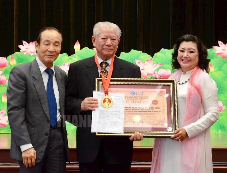 Hội Bảo trợ bệnh nhân nghèo thành phố Hồ Chí Minh: 25 năm mang niềm vui cho người nghèo - ảnh 1