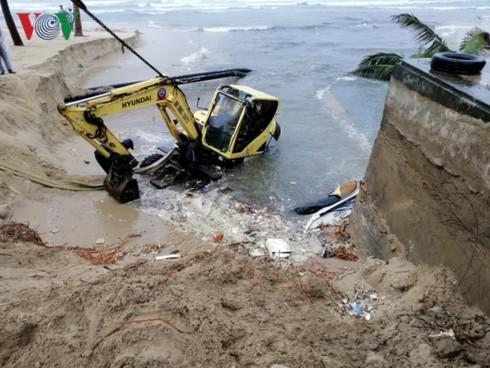 Mưa lũ lớn gây ngập lụt tại một số tỉnh miền Trung - ảnh 1