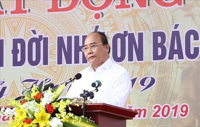Thủ tướng Nguyễn Xuân Phúc: Mỗi gia đình hãy trồng một cây xanh - ảnh 1