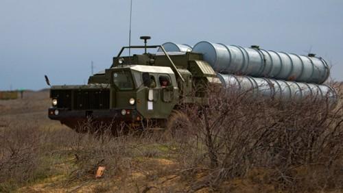 รัสเซียให้คำมั่นที่จะส่งมอบจรวดต่อสู้อากาศยานให้แก่ซีเรีย - ảnh 1