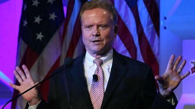 นายJim Webbพรรคเดโมแครตลงสมัครชิงตำแหน่งประธานาธิบดีสหรัฐ - ảnh 1