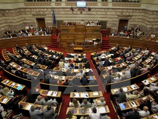คณะรัฐมนตรีกรีซให้คำมั่นที่จะสร้างความเชื่อมั่นให้แก่ประชาชน - ảnh 1