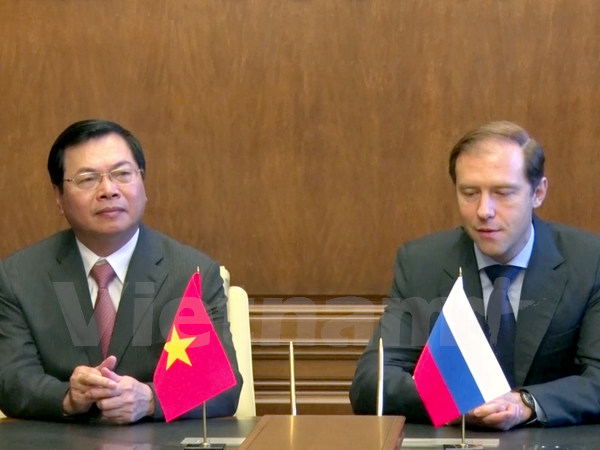 เวียดนามและรัสเซียลงนามในพิธีสารเกี่ยวกับการสนับสนุนการผลิตรถบรรทุกในเวียดนาม - ảnh 1