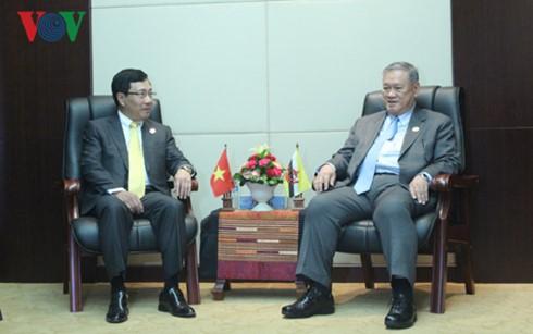 ภารกิจของนาย ฝ่ามบิ่งมิง รองนายกรัฐมนตรีและรัฐมนตรีว่าการกระทรวงการต่างประเทศเวียดนามในประเทศลาว - ảnh 1