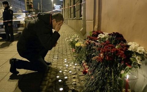 นานาประเทศแสดงความสามัคคีกับรัสเซียหลังเกิดเหตุระเบิดสถานีรถไฟใต้ดินในนครเซนต์ปีเตอร์สเบิร์ก - ảnh 2