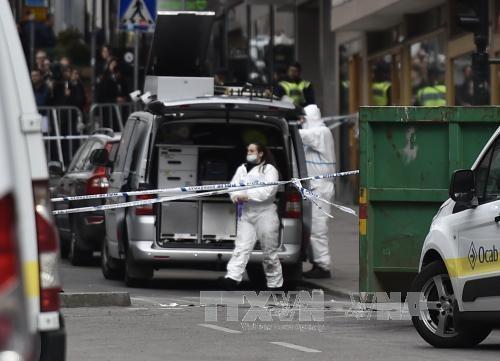สวีเดนจับกุมตัวผู้ต้องสงสัยก่อเหตุโจมตีก่อการร้ายเมื่อวันที่ 7 เมษายนอีกหนึ่งคน - ảnh 1