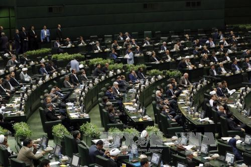 ส.ส.อิหร่านเห็นด้วยกับร่างรัฐบัญญัติที่ให้ดำเนินมาตรการตอบโต้มาตรการที่เป็นอริของสหรัฐ - ảnh 1