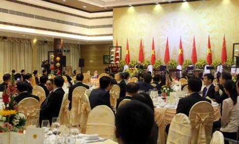 งานเลี้ยงเพื่อเป็นเกียรติแด่เลขาธิการใหญ่พรรคและประธานประเทศจีน - ảnh 1