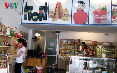 สีสันตลาดขายของรัสเซีย ณ นครโฮจิมินห์ - ảnh 2