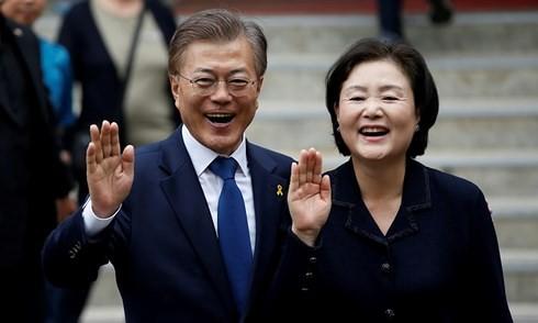 ประธานาธิบดีสาธารณรัฐเกาหลีมุนแจอิลเยือนเวียดนามอย่างเป็นทางการ - ảnh 1