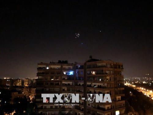 อิสราเอลประกาศยิงจรวดใส่เป้าหมายต่างๆของอิหร่านในซีเรีย - ảnh 1