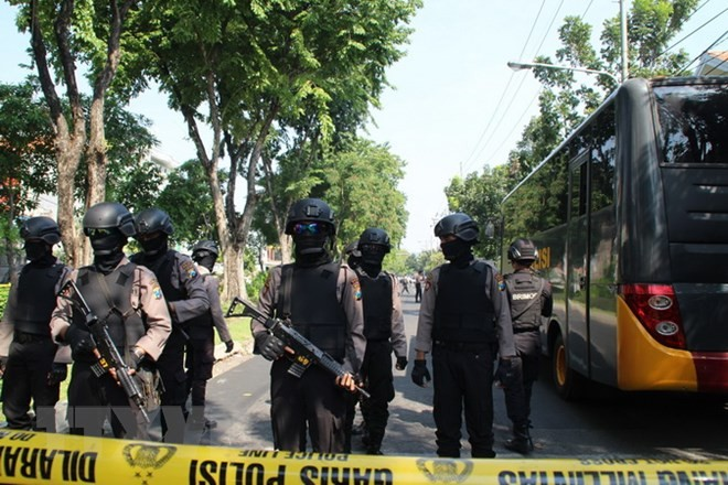 อินโดนีเซียเพิ่มความเข้มงวดในการรักษาความมั่นคงเพื่อรับมือกับภัยคุกคามจากการก่อการร้าย - ảnh 1