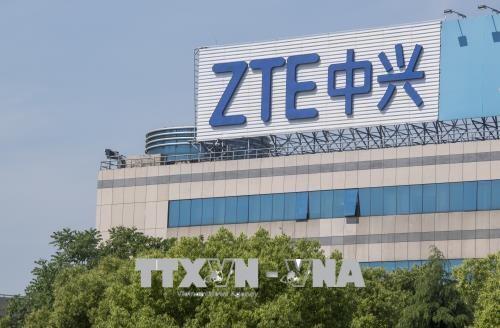 สหรัฐผ่อนปรนมาตรการคว่ำบาตรต่อเครือบริษัท ZTE ของจีน - ảnh 1
