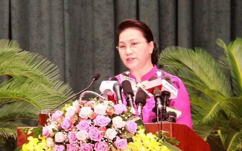ประธานสภาแห่งชาติเหงวียนถิกิมเงินเข้าร่วมพิธีเปิดการประชุมครั้งที่ 7 สภาประชาชนนครไฮฟอง - ảnh 1
