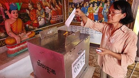 กัมพูชาก่อนการเลือกตั้งรัฐสภาครั้งสำคัญ  - ảnh 1