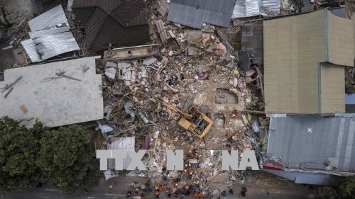 เกิดเหตุแผ่นดินไหว ที่ เกาะลอมบอก ประเทศอินโดนีเซีย - ảnh 1