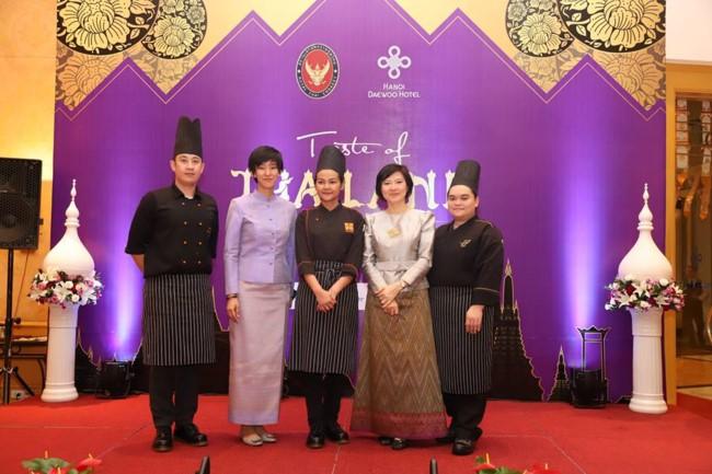งานTaste of Thailand – แนะนำอาหารอร่อยๆจากเมืองไทยให้เป็นที่รู้จักของประชาชนในกรุงฮานอยมากขึ้น - ảnh 6