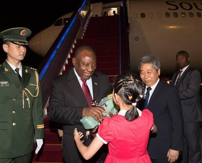 ประธานาธิบดีแอฟริกาใต้เยือนประเทศจีนเพื่อกระชับความร่วมมือด้านเศรษฐกิจ - ảnh 1