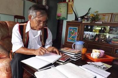 ผู้ขับเสภาบทกวีมหากาพย์ชนเผ่าเซอดังเตอดร้า - ảnh 1