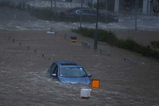 พายุไต้ฝุ่นมังคุดสร้างความเสียหายอย่างหนักให้แก่ประเทศจีนและฟิลิปปินส์ - ảnh 1