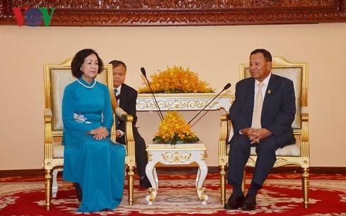 กระชับความสัมพันธ์สามัคคี มิตรภาพและความร่วมมือในทุกด้านระหว่างเวียดนามกับกัมพูชา - ảnh 1