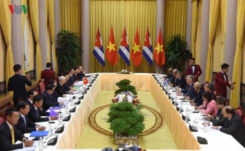 ประธานสภาแห่งรัฐและสภารัฐมนตรีคิวบา: ความสัมพันธ์เวียดนาม-คิวบาคือความสัมพันธ์พิเศษ - ảnh 1