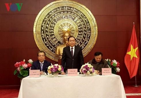 ประธานแนวร่วมปิตุภูมิเวียดนามเจิ่นแทงเหมินเยือนประเทศจีน - ảnh 1