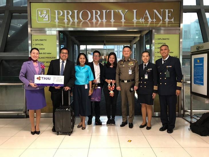 การท่องเที่ยวแห่งประเทศไทย (ททท.) ต้อนรับนักท่องเที่ยวเวียดนามคนที่ ๑ ล้าน - ảnh 3