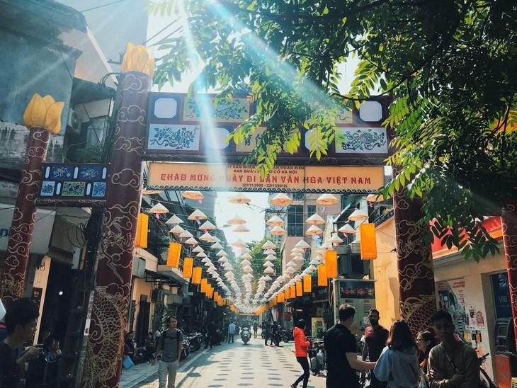ศูนย์แลกเปลี่ยนวัฒนธรรมย่านถนนโบราณกรุงฮานอยมีส่วนร่วมประชาสัมพันธ์ภาพลักษณ์กรุงฮานอย - ảnh 1
