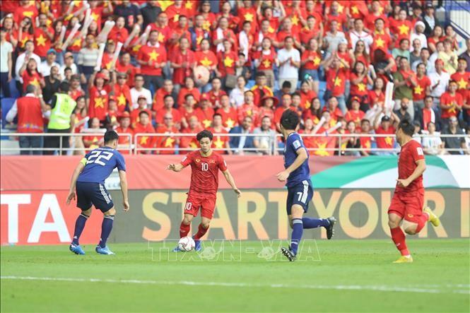 สื่อต่างชาติชื่นชมทีมฟุตบอลเวียดนามที่มีการพัฒนาอย่างข้ามขั้น - ảnh 1