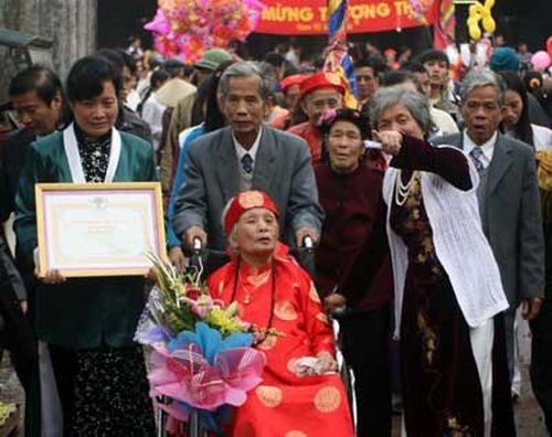 ตอบคำถามของคุณผู้ฟังเกี่ยวกับเทศกาลตรุษเต๊ตตามประเพณีของคนเวียดนาม - ảnh 2