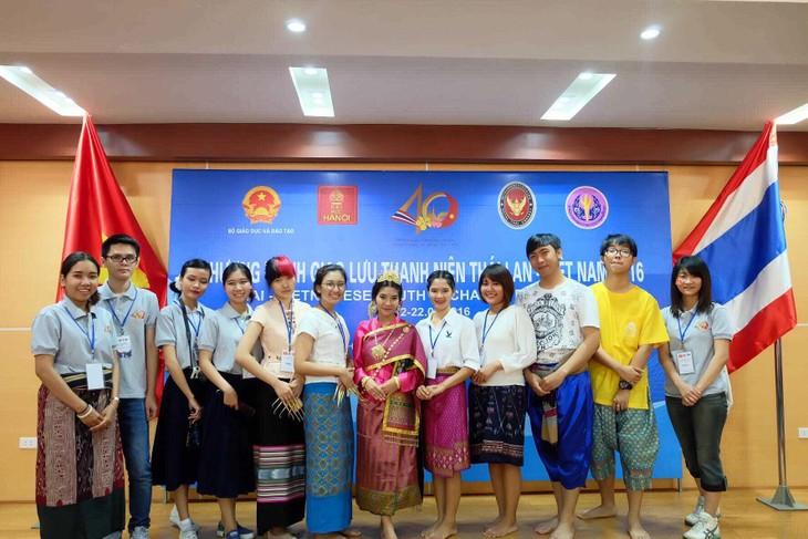 เยาวชนไทยกับอาหารและภาษาเวียดนาม - ảnh 3