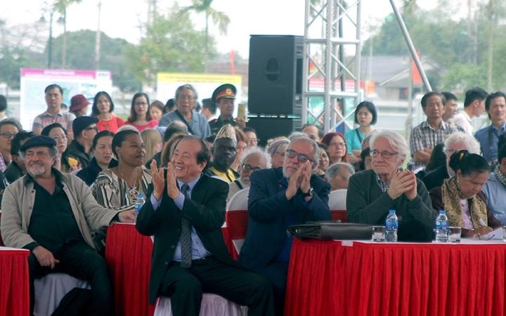 วันกลอนเวียดนามครั้งที่ 17ปี 2019มีส่วนร่วมประชาสัมพันธ์วรรณกรรมเวียดนามสู่สายตาชาวโลก - ảnh 1