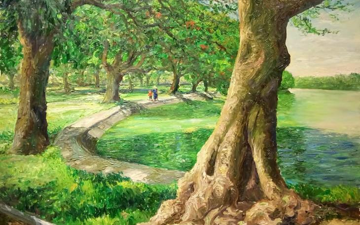 """งานนิทรรศการ """"แสงจากเงา""""-ความงามของเวียดนามจากมุมมองจิตรกรไทย - ảnh 10"""